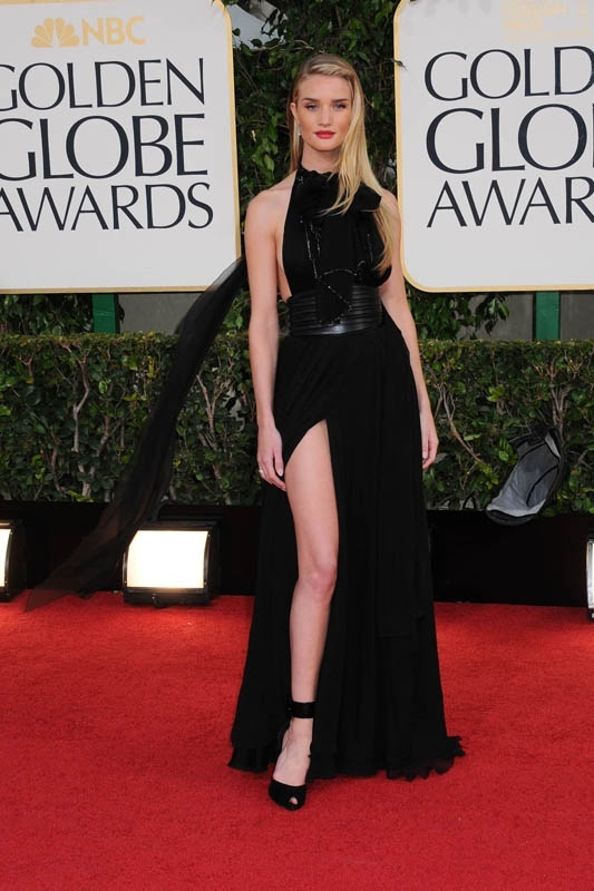 Rosie-Huntington-Whiteley-lors-de-la-70e-soiree-des-Golden-Globe-Awards-a-Los-Angeles-le-13-janvier-2013_portrait_w858